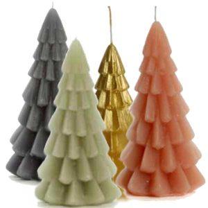 kaarsen in 4 kleuren in de vorm van een kerstboom